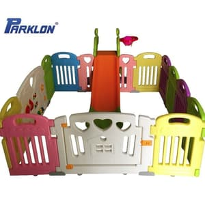 Parklon Fence with Slide & ball